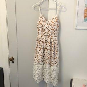 Few moda white lace dress